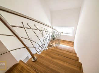 Moderné drevené schody
