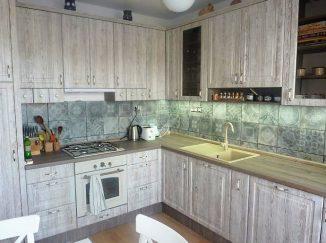 Tradičná kuchyňa v drevodekore