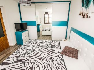 Bielo-modrá spálňa