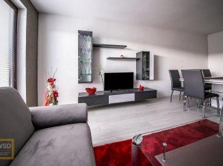 Sivo-červená obývačka