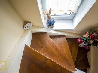 Drevené interiérové schody