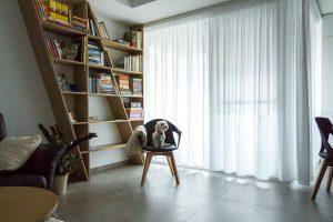Originálna knižnica do obývačky