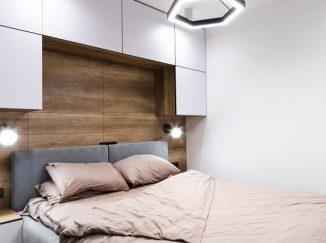 vizualizácia spálne s drevenou stenou