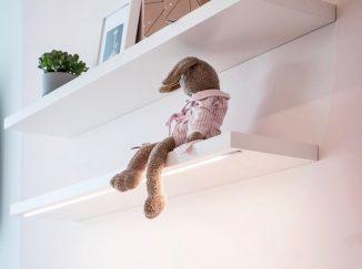 polička v detskej izbe