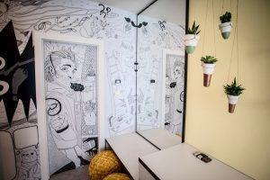 moderná detská izba s interaktívnou stenou